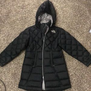 Girls the north face coat